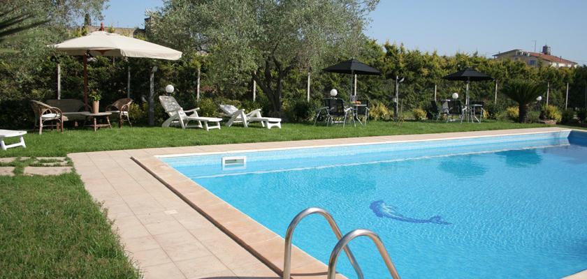 Piscina Del Sole Comiso.Villa Adriana Bed Breakfast Ragusa
